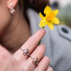 Obrázek č. 5 k produktu: Stříbrný prsten Hot Diamonds Lucky in Love DR215