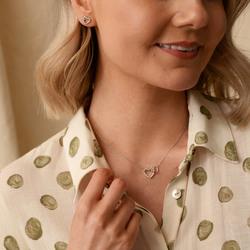 Obrázek č. 4 k produktu: Stříbrné náušnice Hot Diamonds Flora DE605
