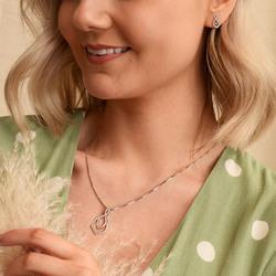 Obrázek č. 11 k produktu: Stříbrné náušnice Hot Diamonds Lily RG DE608
