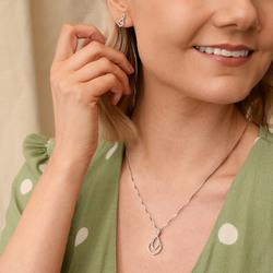 Obrázek č. 11 k produktu: Stříbrné náušnice Hot Diamonds Lily DE609