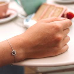 Obrázek č. 4 k produktu: Stříbrný náramek Hot Diamonds Daisy DL579