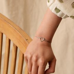 Obrázek č. 3 k produktu: Stříbrný náramek Hot Diamonds Flora DL589