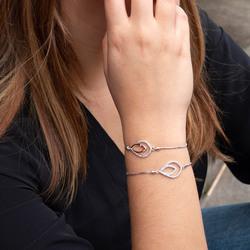 Obrázek č. 13 k produktu: Stříbrný náramek Hot Diamonds Lily DL592
