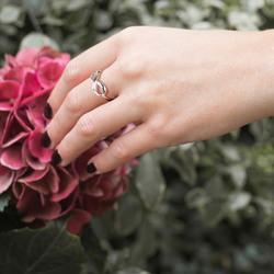 Obrázek č. 7 k produktu: Stříbrný prsten Hot Diamonds Infinity