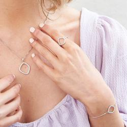 Obrázek č. 1 k produktu: Prsten Hot Diamonds Behold DR221