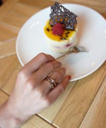 Obrázek è. 10 k produktu: Støíbrný prsten Hot Diamonds Eternity Vermeil