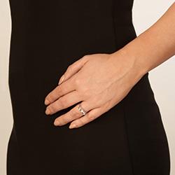 Obrázek č. 3 k produktu: Stříbrný prsten Hot Diamonds Ribbon DR196