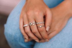 Obrázek č. 5 k produktu: Stříbrný prsten Hot Diamonds Willow DR208