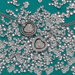 Obrázek è. 24 k produktu: Støíbrný náhrdelník Hot Diamonds Turning Heart