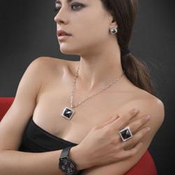 Obrázek č. 1 k produktu: Stříbrný přívěsek s krystaly Swarovski Oliver Weber Format 7586-BLA