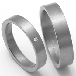 Obrázek č. 1 k produktu: Dámský titanový snubní prsten TTN0702