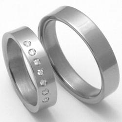 Obrázek č. 1 k produktu: Dámský titanový snubní prsten TTN3002