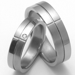 Obrázek č. 1 k produktu: Dámský titanový snubní prsten TTN2102